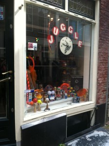 Juggling Store AMS